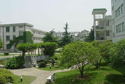 四川省荣县万博manbetx官网手机版下载高级中学校地址在哪里?